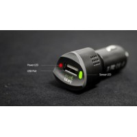 Chargeur USB Allume cigare analyseur d'air ambiant.